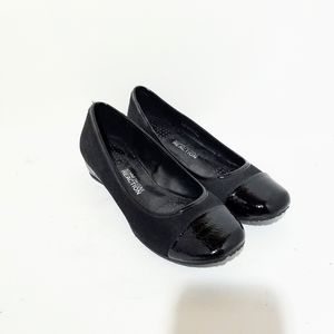 Kennth Cole Reaction Women's Black Flats